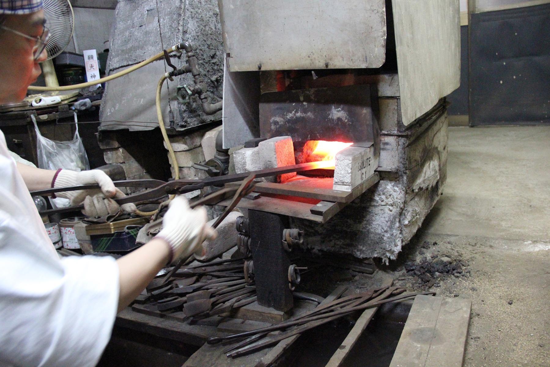 Steel knives japanese osaka