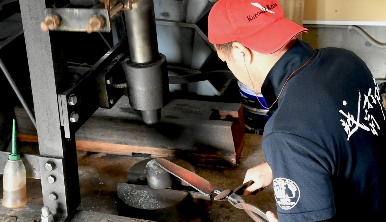 blacksmith yu kurosaki profile knives
