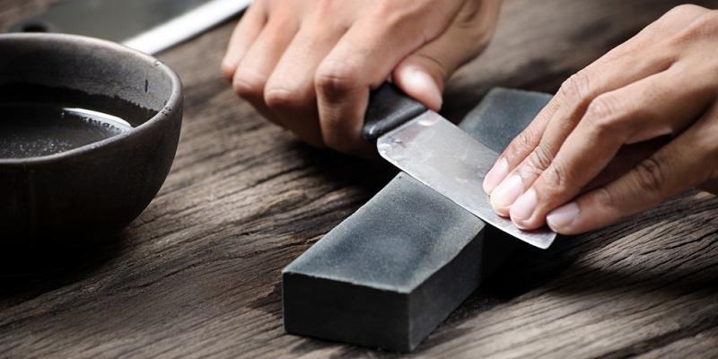 sharpening kitchen knife stone