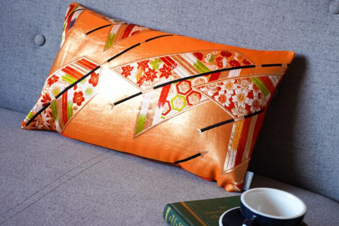 Cushion Cover Kimono Obi Silk, Gold Embroidery Vintage - Kiku Medium