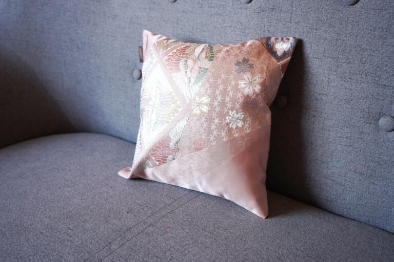 Cushion Cover Kimono Obi Silk, Gold Embroidery Vintage - Tsuru Mini