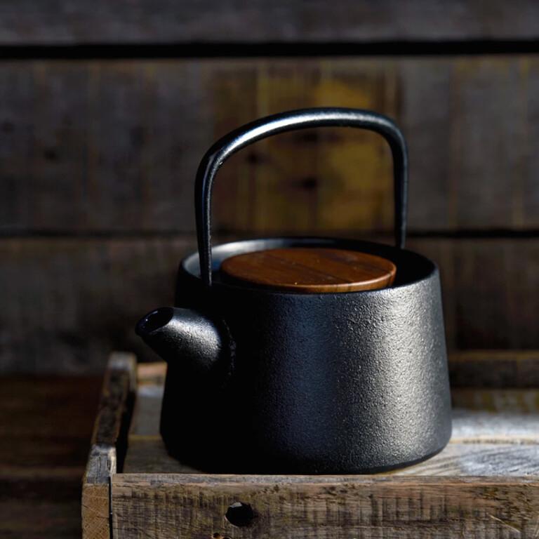 Tetu Nambu Cast Iron Teapot