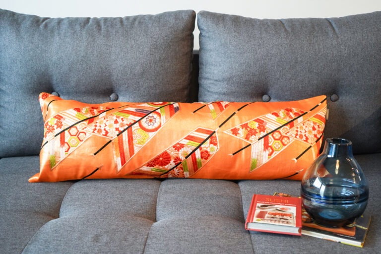 Bolster Cushion Cover Kimono Obi Silk, Gold Embroidery Vintage - Kiku 2