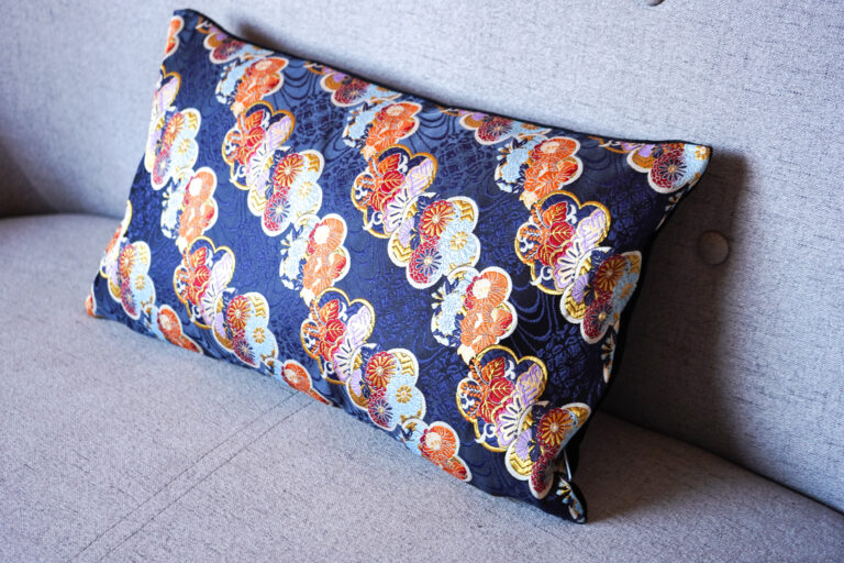 Cushion Cover Japanese Silk Limited Edition - Kiku Blu