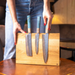 sakai kyuba blue set on oak magnetic wooden stand