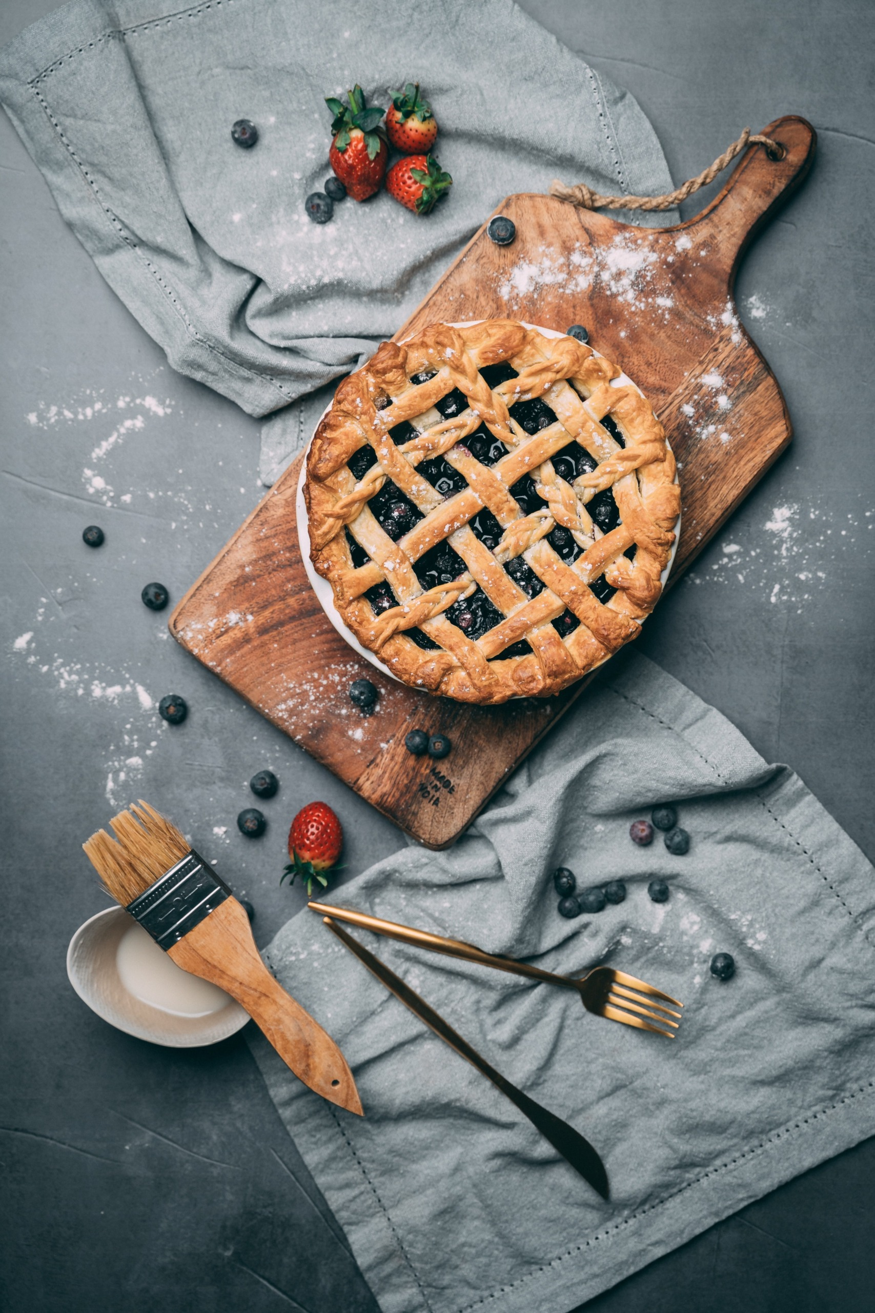blueberry pie image